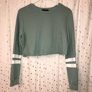 Forever 21 cropped sweatshirt/long sleeve shirt